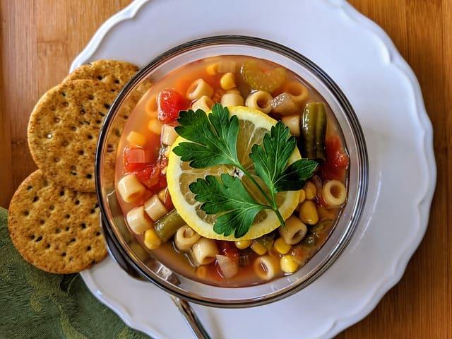 Cómo hacer sopa minestrones
